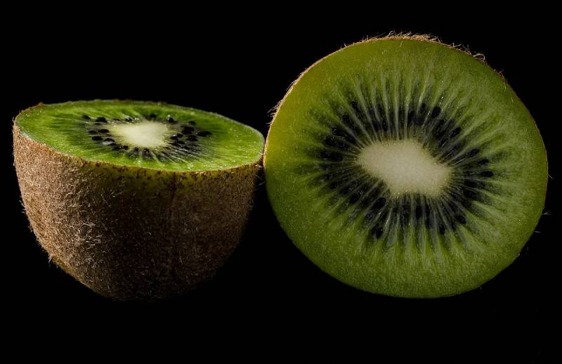 kiwi allergic effects , benefits , nutrition facts and kiwi recipes