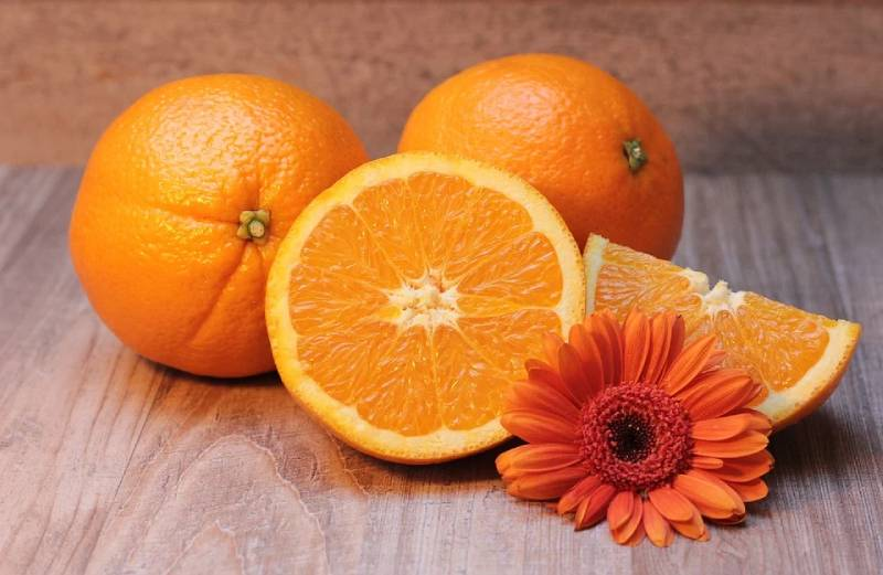 Which type of oranges have seeds ?& how to store orange or orange juice