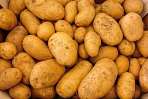 best type of potato for frying or flour should potato be soft ?