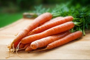carrot benefits + cake carrot recipe + is it better to eat carrots peeled
